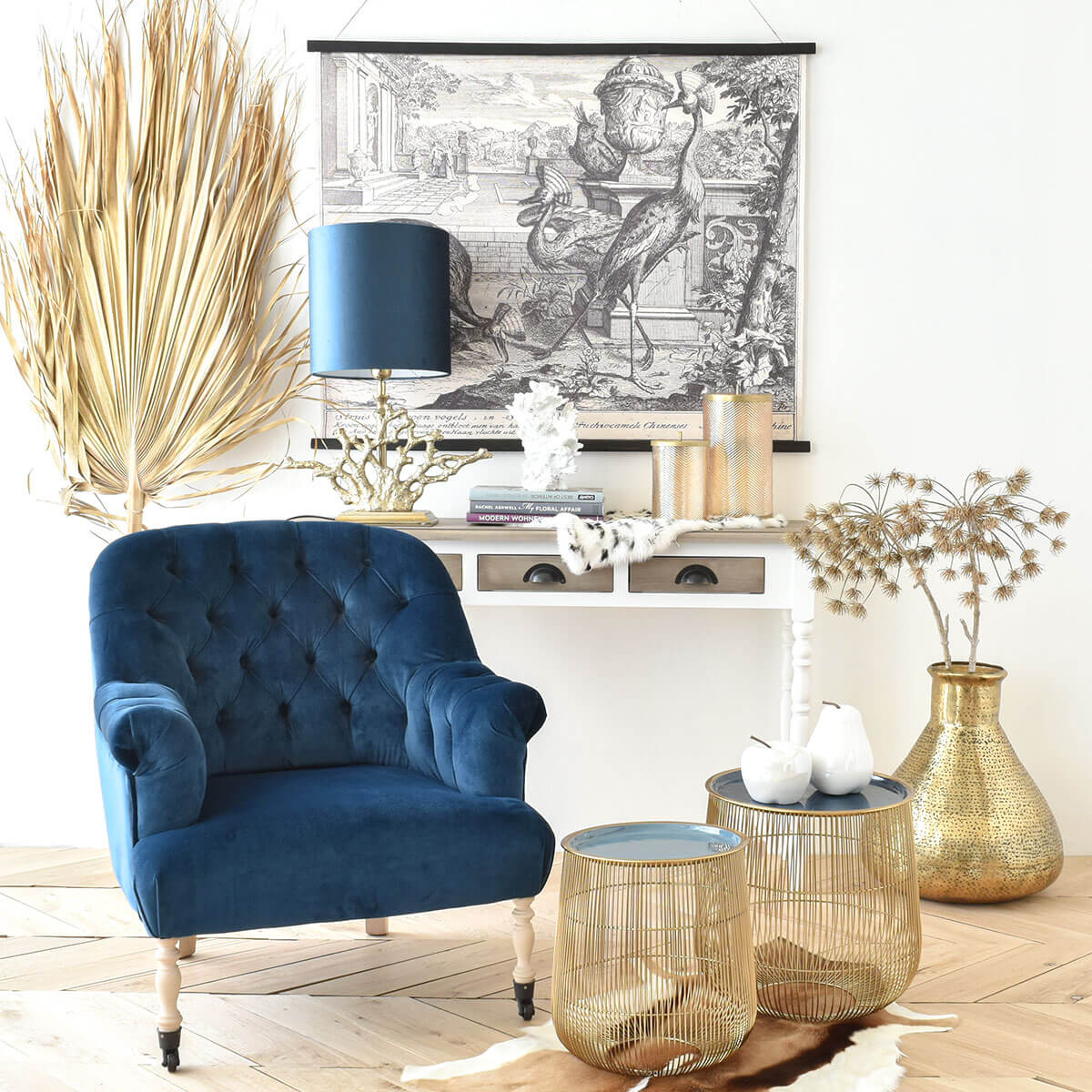 royal-blue-velvet-club-chair