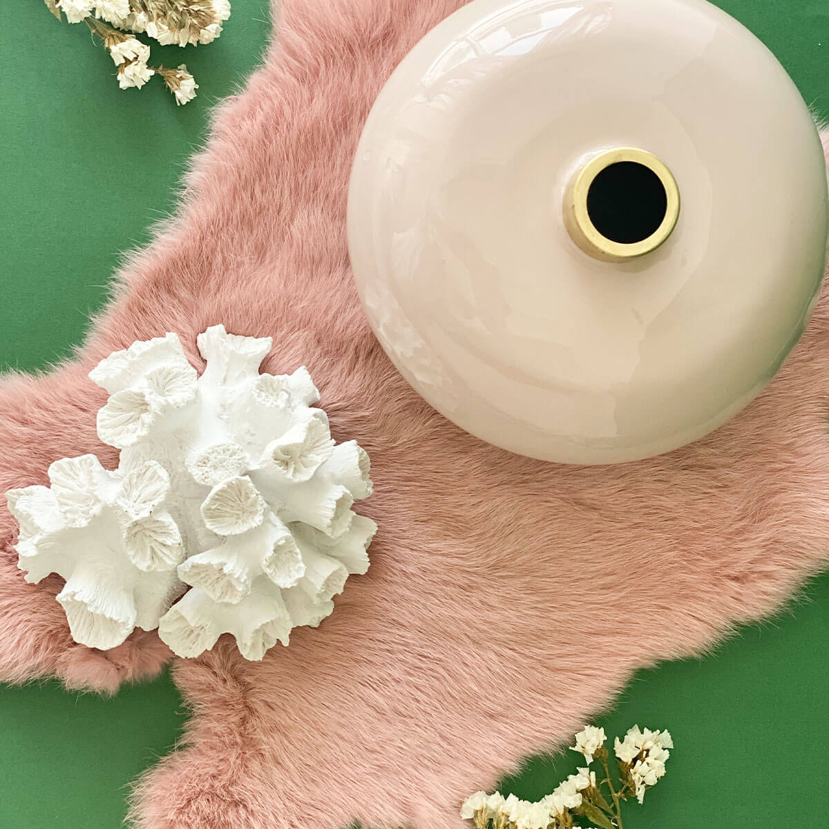 real table fur in pink color