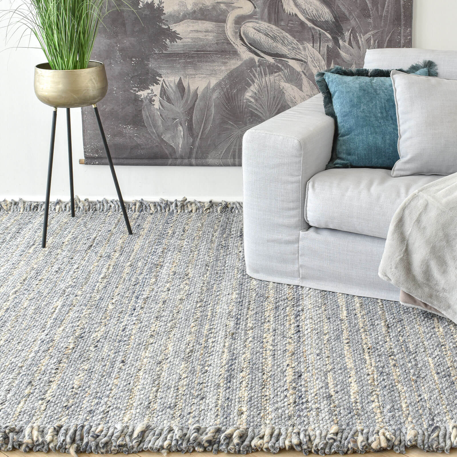 blue-wool-rug-with-fringes-cozy-home-dubai