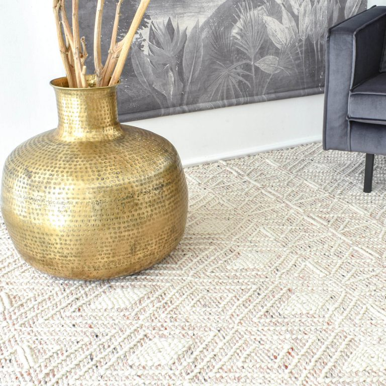 Labin Ivory Blush Hand Woven Rug – 300x400cm