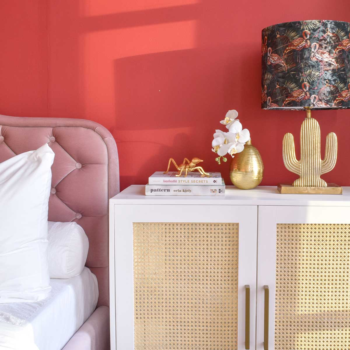 bug-decor-in-gold-buy-in-abu-dhabi-online