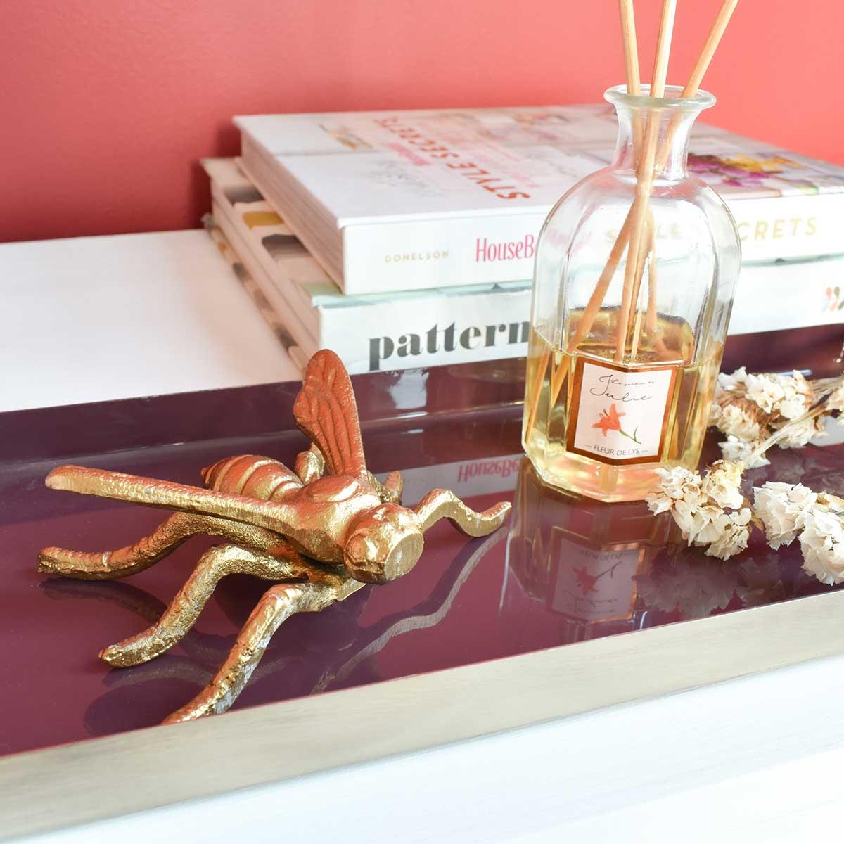 gold-bee-decor-cozy-home-decoration