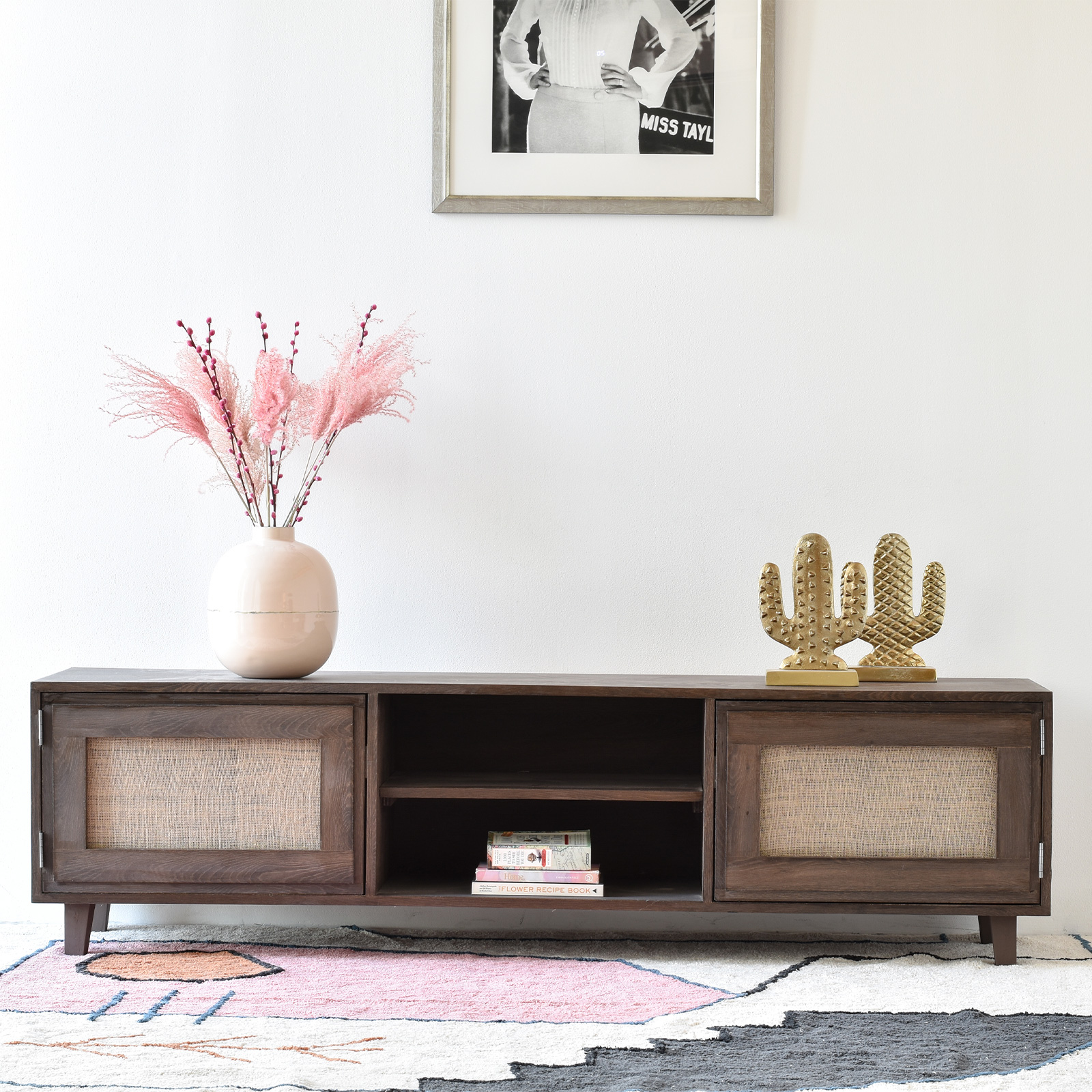 magnolia-tv-table-in-wood-and-rattan-